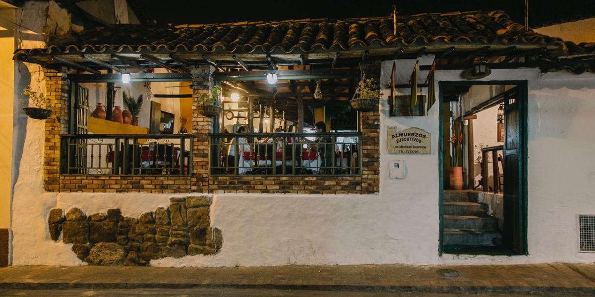 Fachada Restaurante la Parrockia
